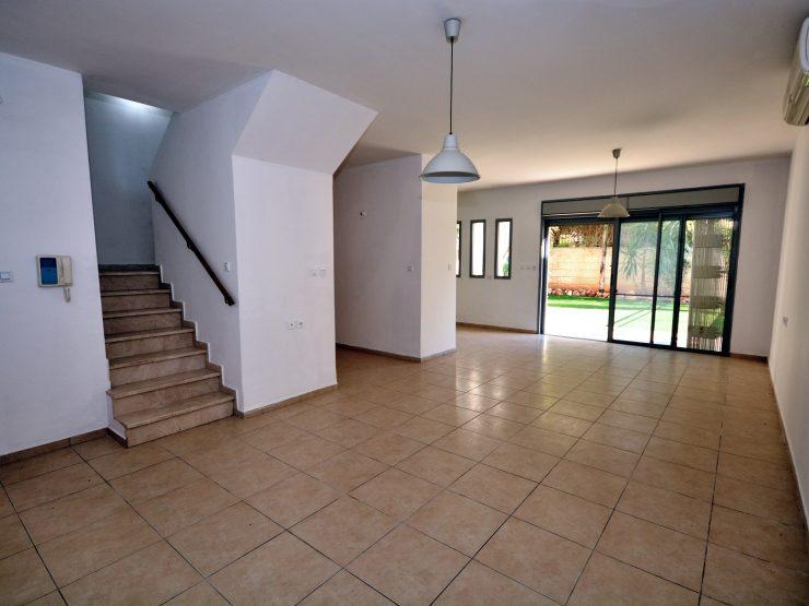 Exclusive Rental in Hashvatim, Modiin – 5 Room Duplex Garden Apartment