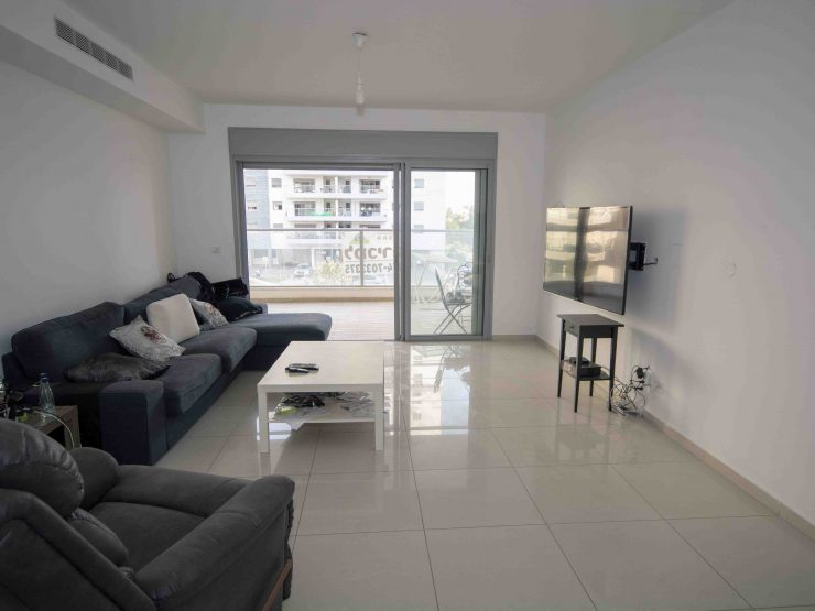 For sale, 5 room apartment in Science Park neighborhood, Rehovot.