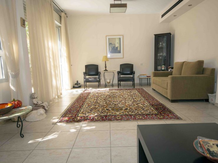 To Rent, 5 room garden duplex apartment in Nachal Bezek, Modiin.