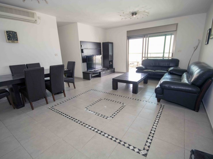 To rent, beautiful 4 room apartment in Prachim, Modiin.