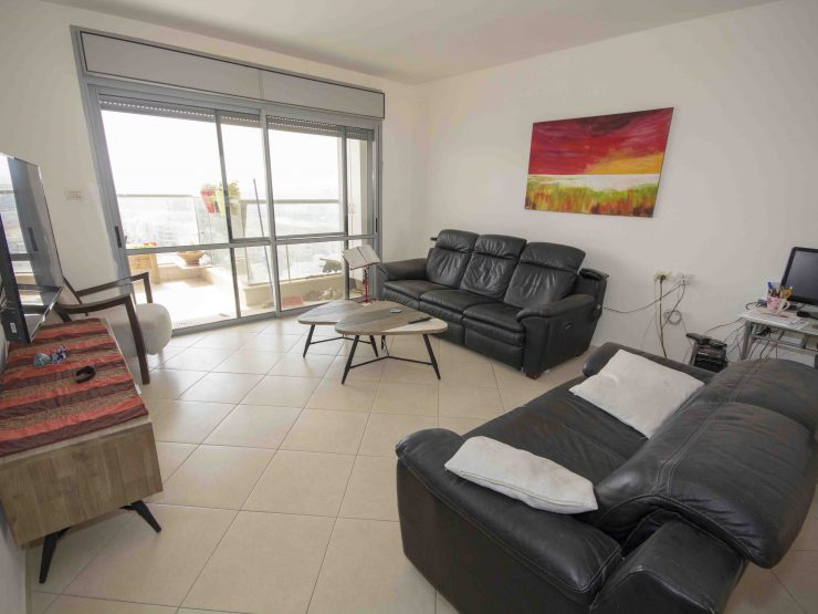 For Sale – 4 room apartment in Migdal Yam – Avnei Chen, Modiin