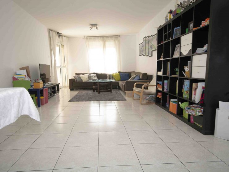 For sale, 5 room apartment in Prachim, central Modiin