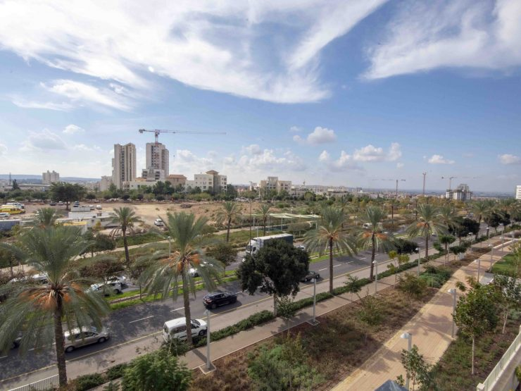 For sale 5 bedroom penthouse in Neviim, Modiin.