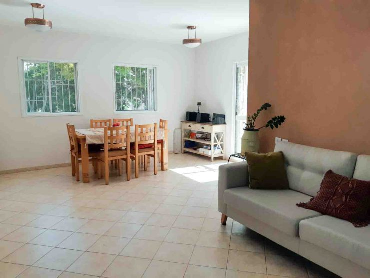 For Sale – 4 room apartment plus secure room in Nachalim neighborhood, Modiin.