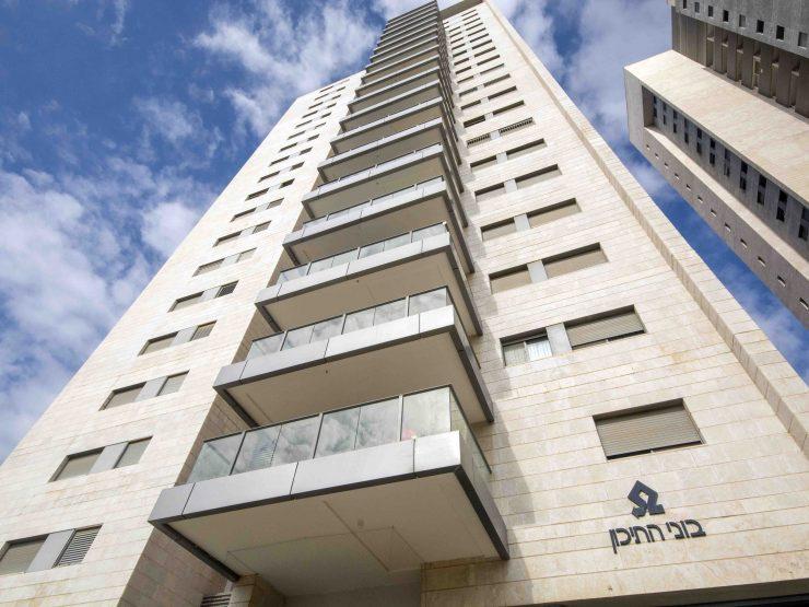 למכירה דירת 5 חדרים בקומה גבוהה במגדלי בוני התיכון במודיעין