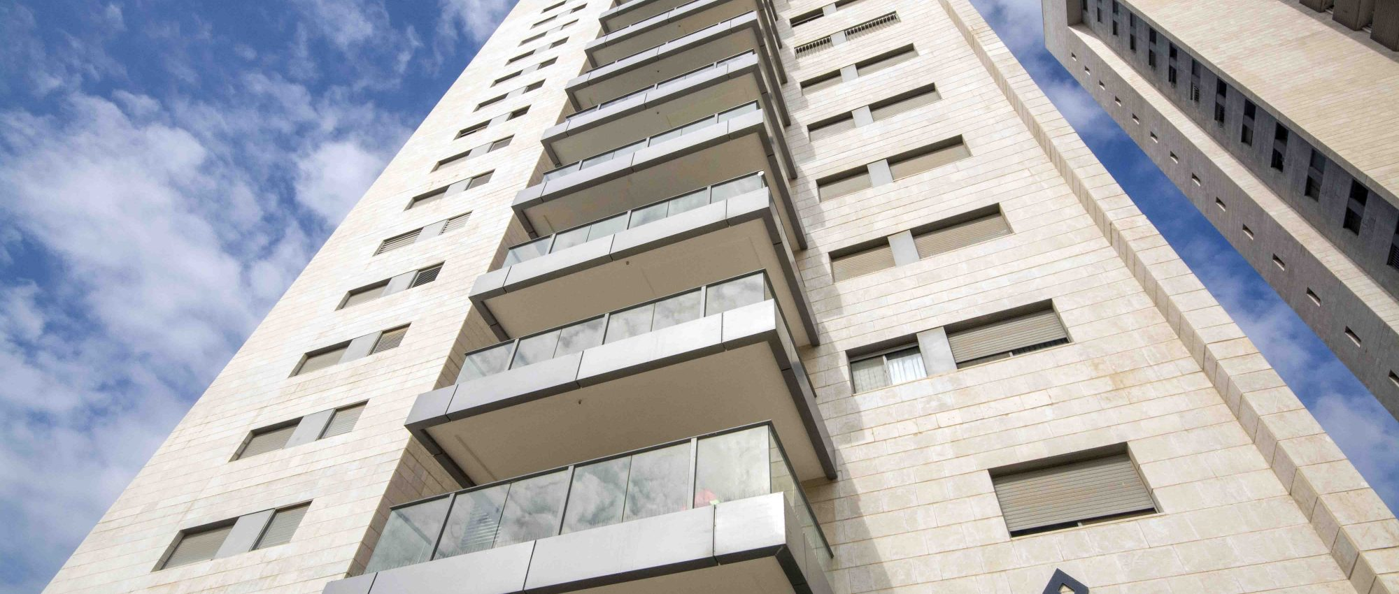 For sale – 5 room high floor tower apartment in Kikar Amos Hanavi, Modiin