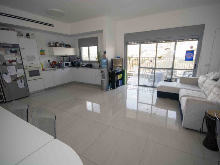 For Rent – 5 room garden apartment in Haziporim, Modiin
