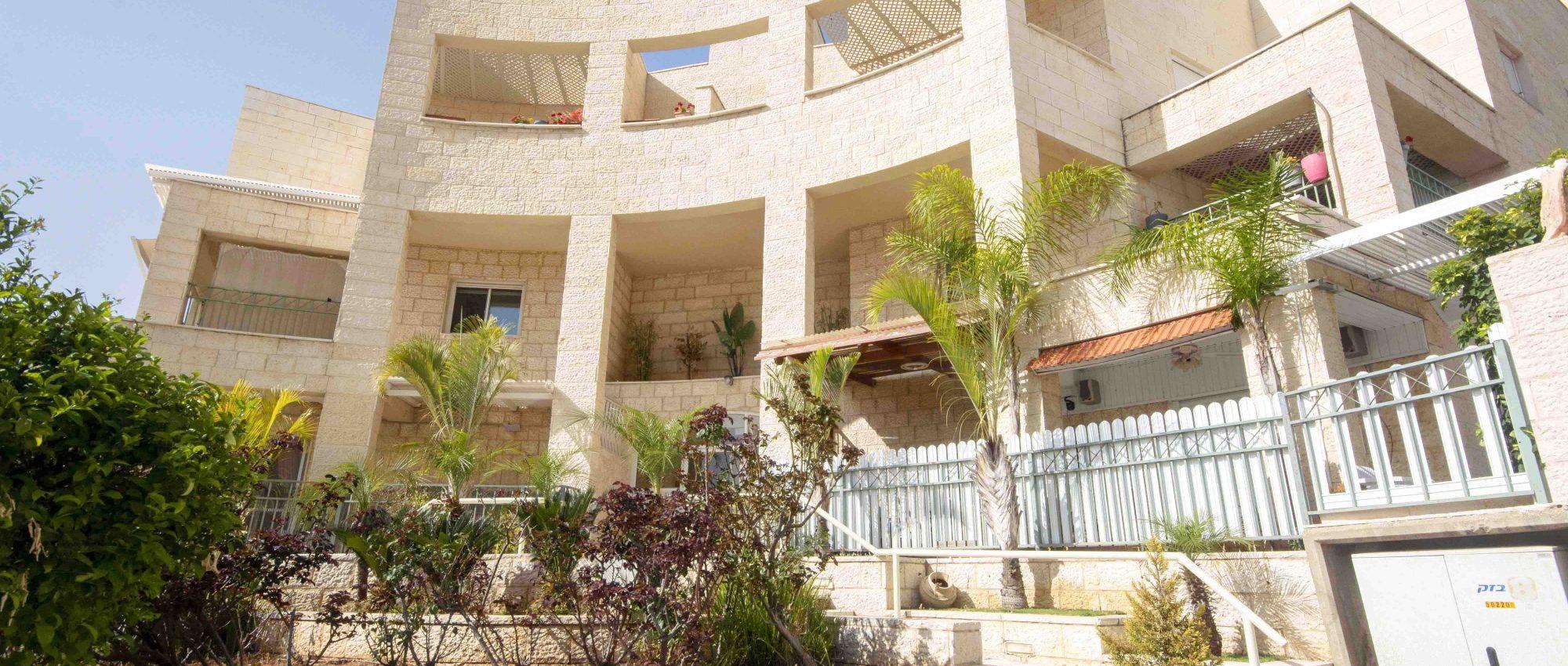 Exclusive – 4 Room Apartment for Sale in Emek Zvulan, Meginim, Modiin